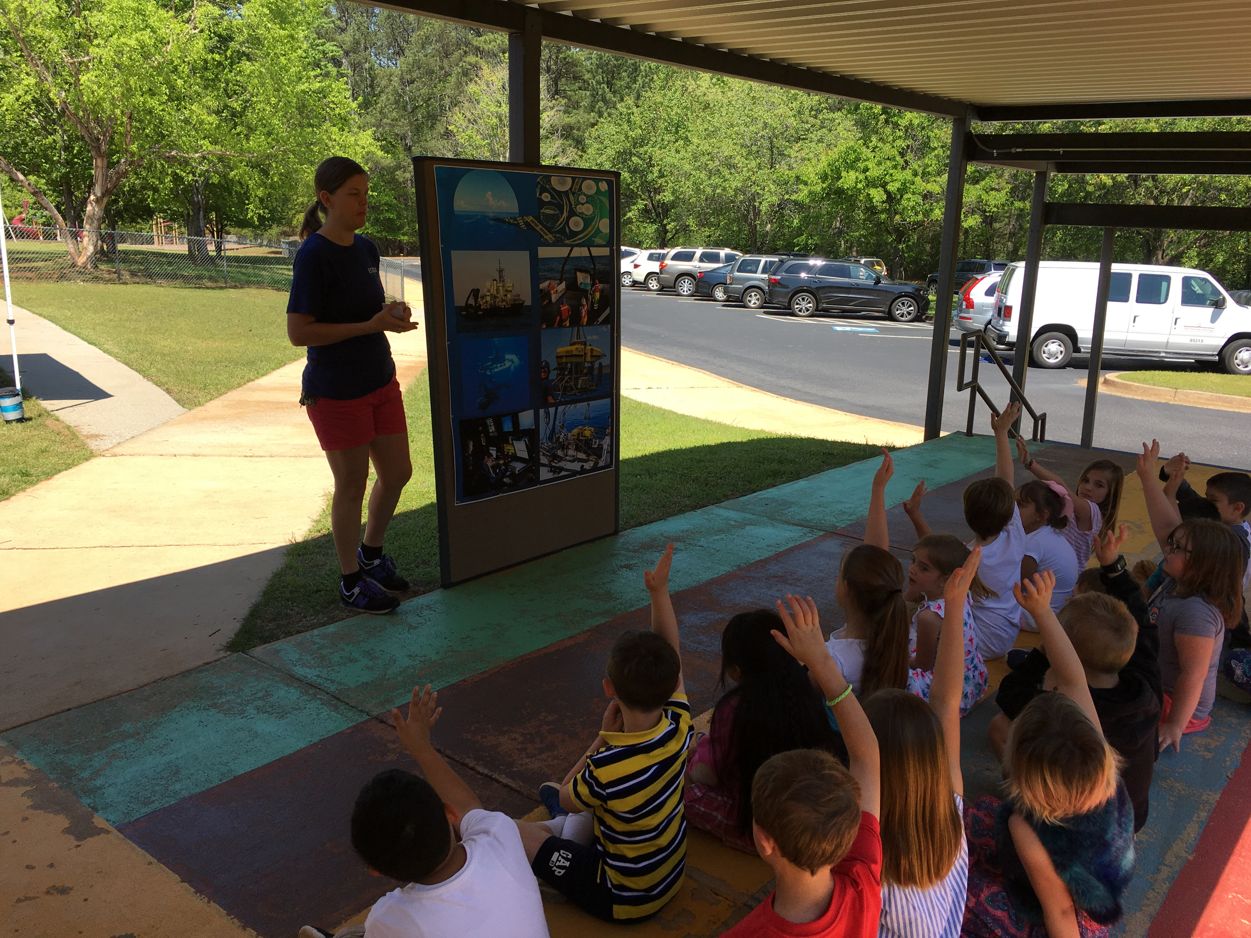 <div style='color:#000000;'><br /><br /><h2>2017 Oconee Primary School. ECOGIG outreach staff visited Oconee Primary for a second year in a row and shared ocean conservation messages with over 200 first & second graders.</h2>(c) ECOGIG</div>
