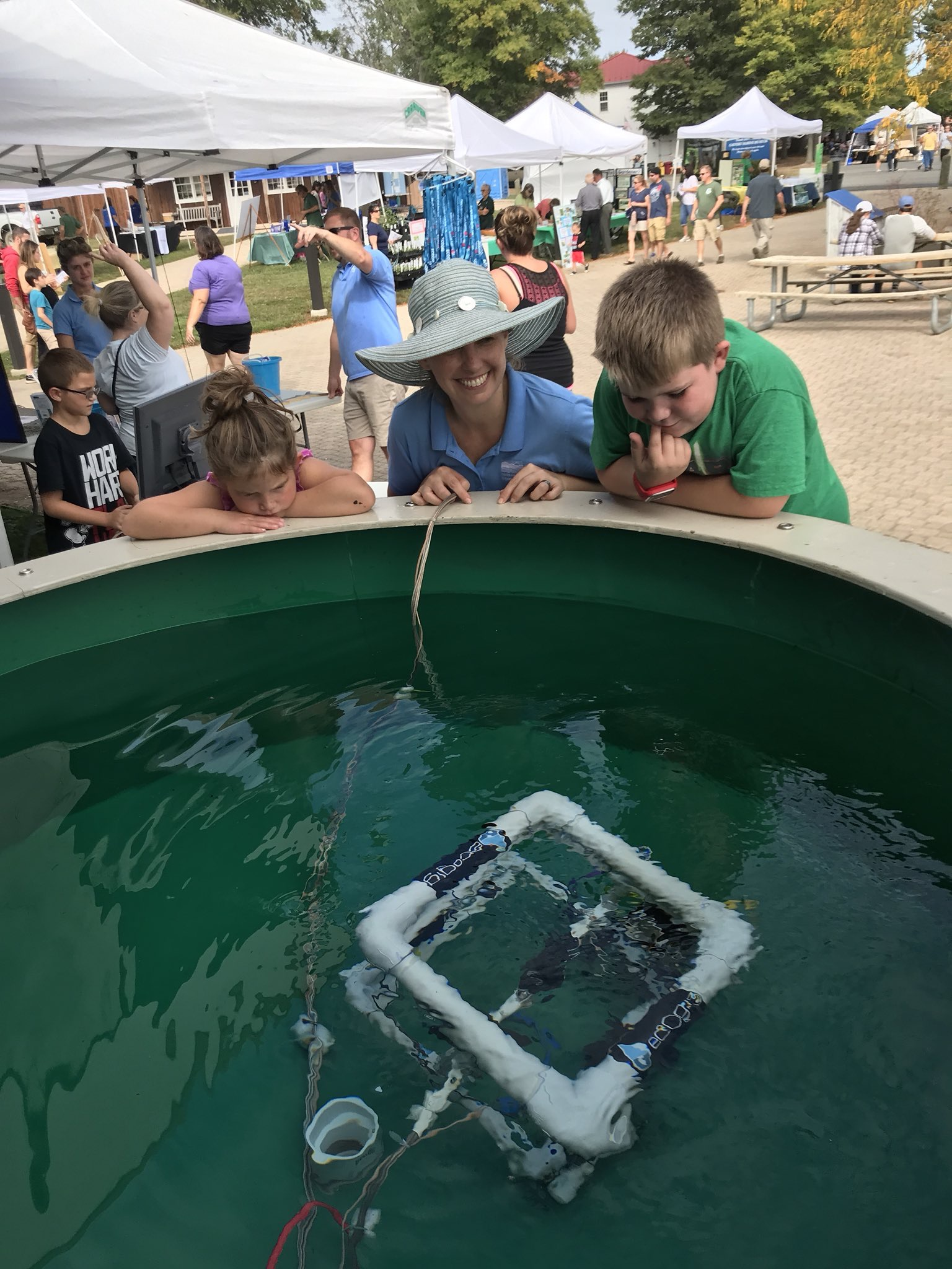<div style='color:#000000;'><br /><br /><h2>2017 Patuxent River Appreciation Days (PRAD). ECOGIG researcher Laura Lapham had a model ROV (remotely operated vehicle) at PRAD - this is a festival which creates awareness, recognition, and promotion of the economic, social, recreational, cultural and historical impact of the Patuxent River and the basin through which it flows.</h2>Photo courtesy of Laura Lapham (ECOGIG)</div>