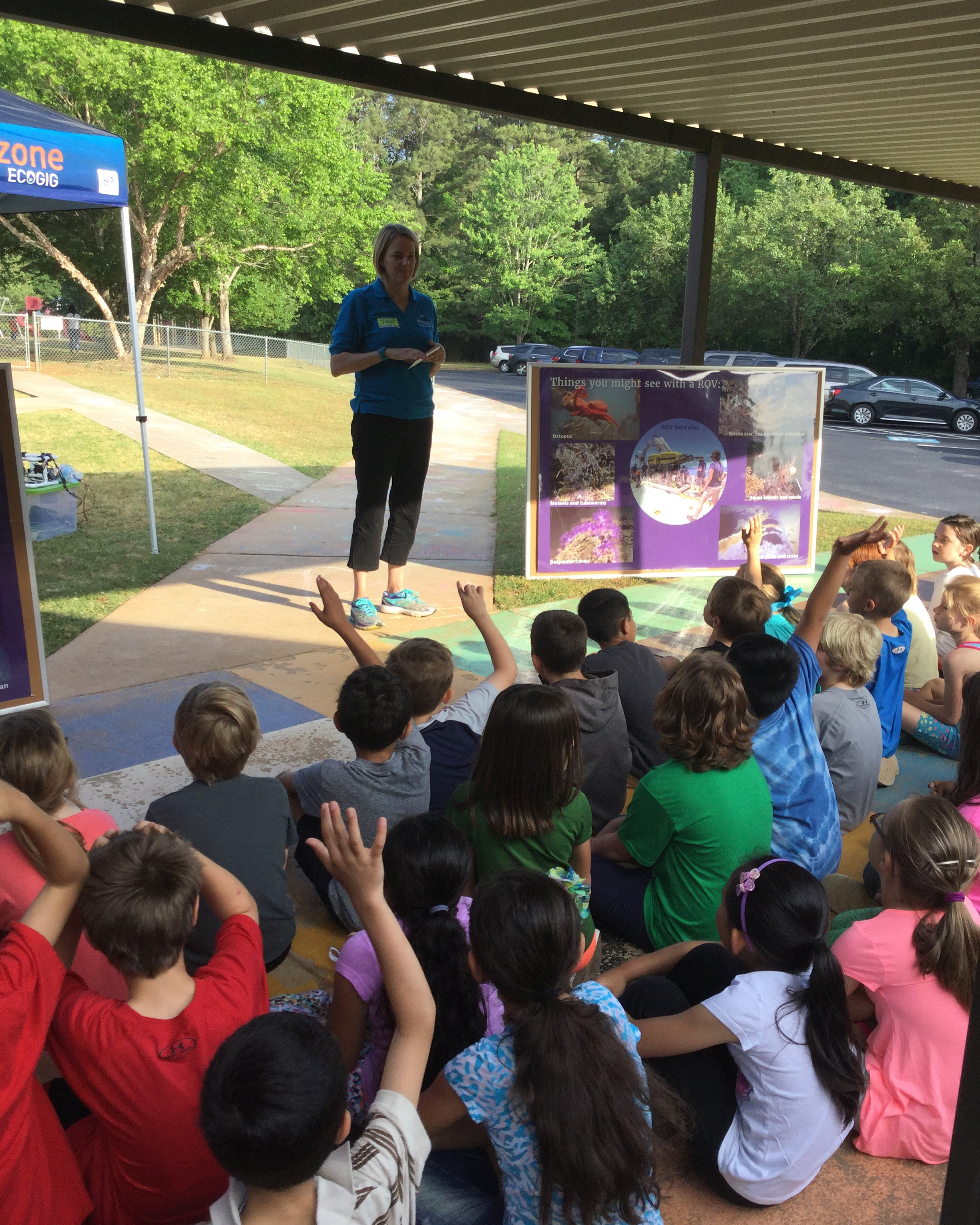 <div style='color:#000000;'><br /><br /><h2>2016 Oconee Primary School visit. ECOGIG Outreach and Communications Lead Sara Beresford talks to students about why and how we explore the oceans.</h2>(c) ECOGIG</div>