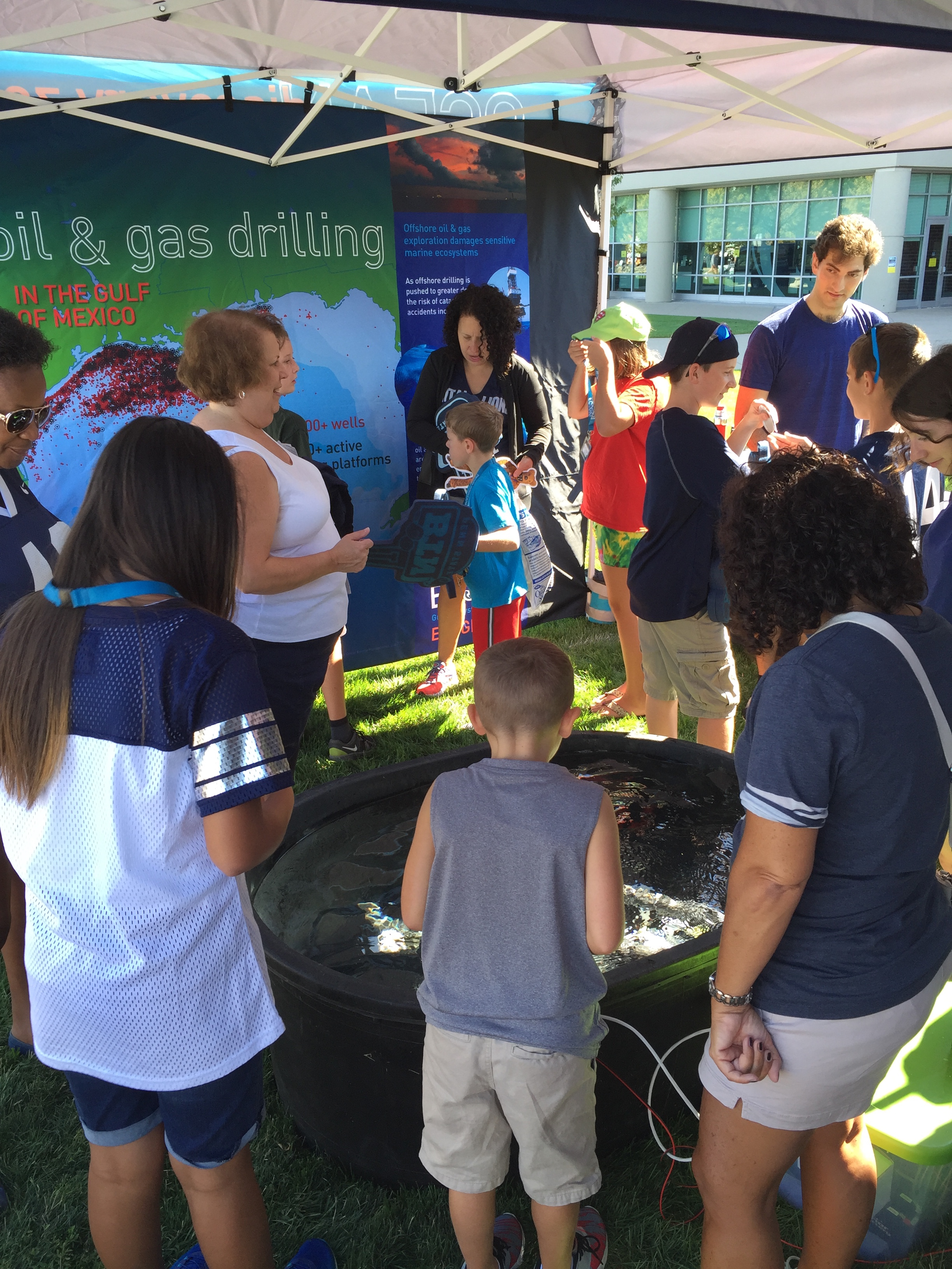 <div style='color:#000000;'><br /><br /><h2>2016 Penn State Fan Fest.  Visitors exploring the Ocean Discovery Zone before the Sept 3rd, 2016 Penn State vs Kent State game</h2>(c) ECOGIG</div>