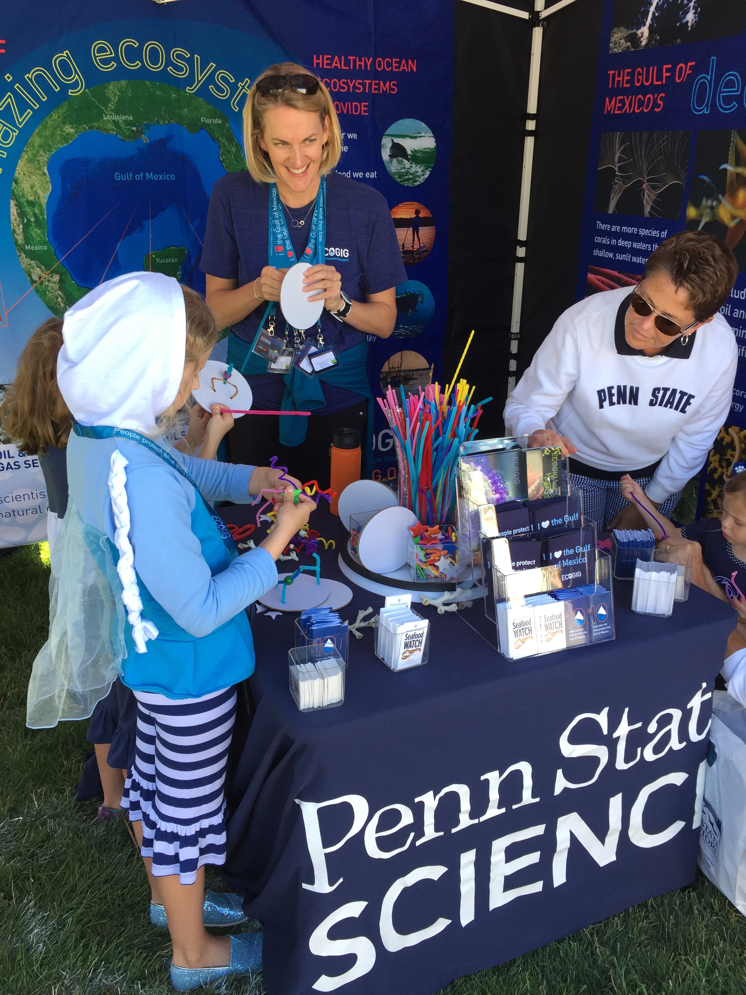 <div style='color:#000000;'><br /><br /><h2>2016 Penn State Fan Fest. Building a deep water coral!</h2>(c) ECOGIG</div>