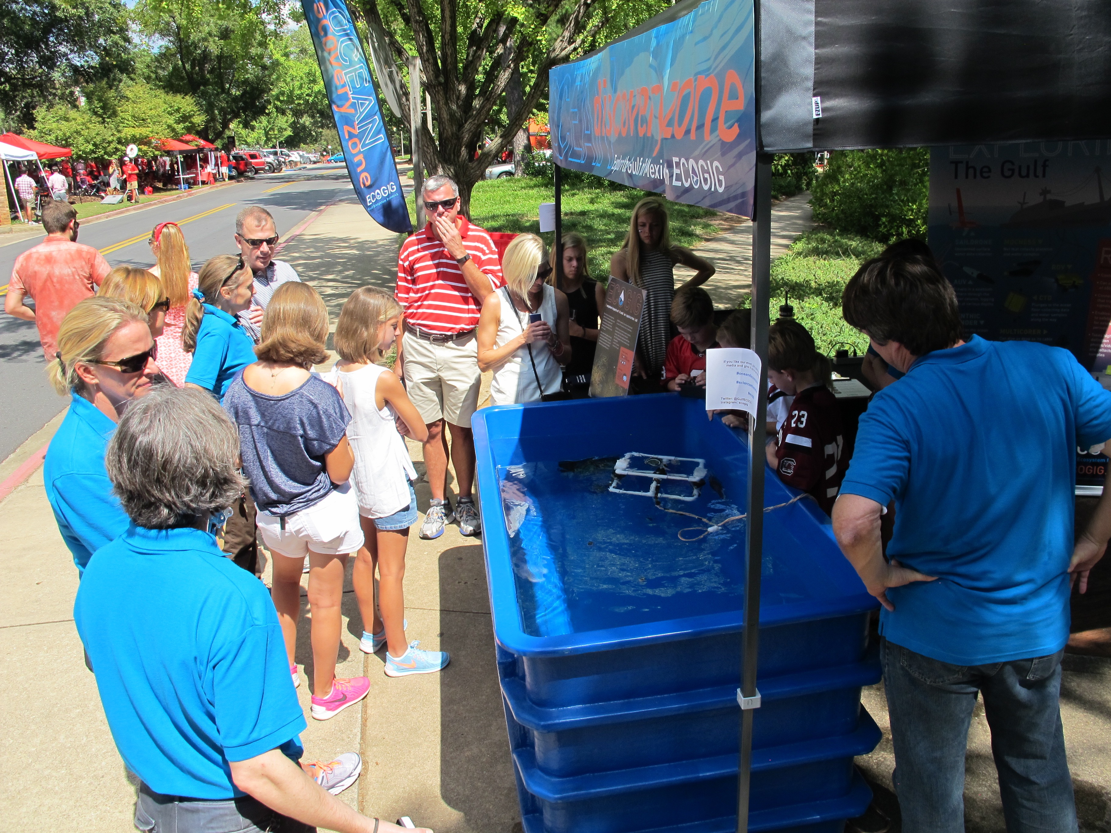 <div style='color:#000000;'><br /><br /><h2>2015 UGA football home game. Lots of visitors are eager to explore the Ocean Discovery Zone!</h2>(C)&nbsp;ECOGIG</div>