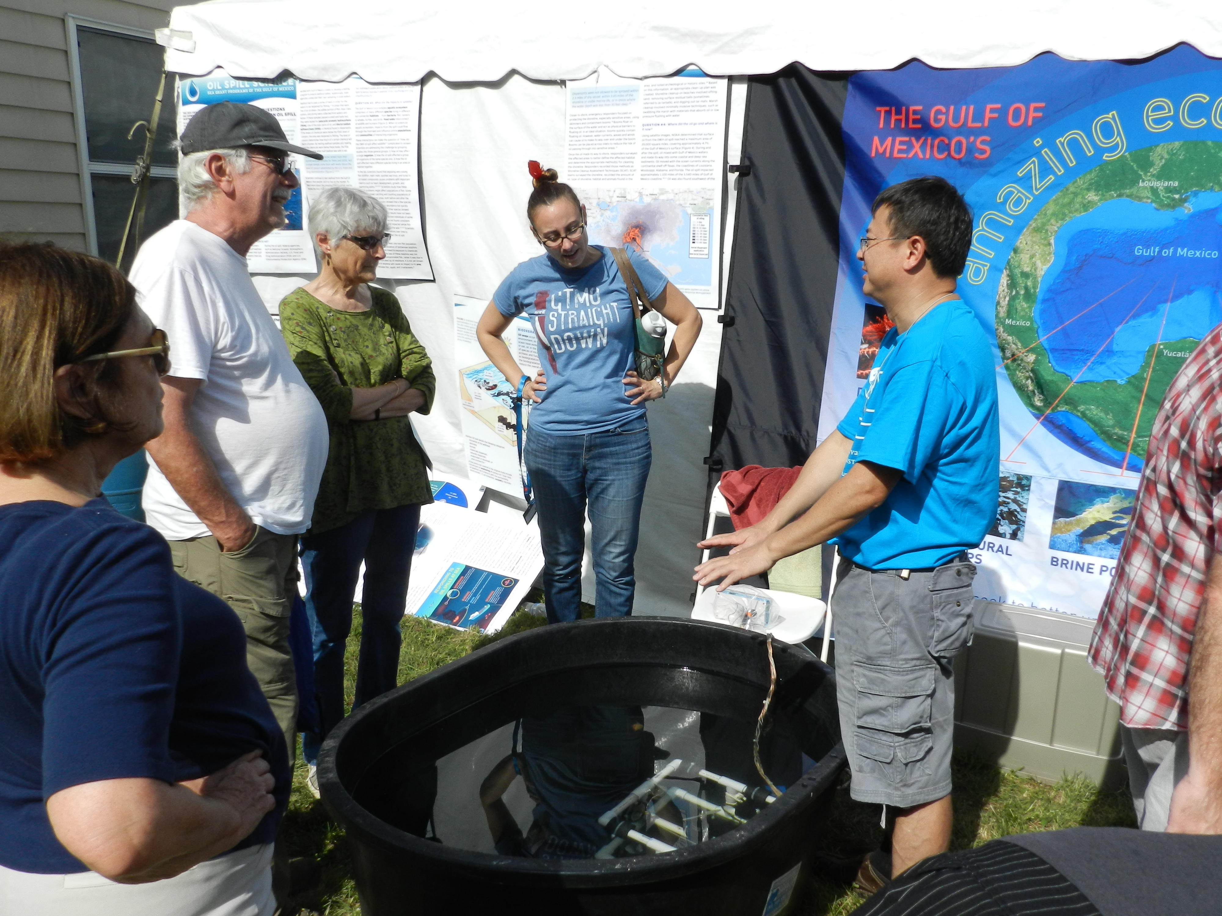 <div style='color:#000000;'><br /><br /><h2>2017 LDEO Open House. ECOGIG researchers set up the Ocean Discovery Zone for visitors to the Lamont-Doherty Earth Observatory annual open house. Visitors drove ROVs (remotely operated vehicles) and built deep sea corals and deep sea tube worms!</h2>Photo courtesy of Andy Juhl (ECOGIG &amp; LDEO).</div>