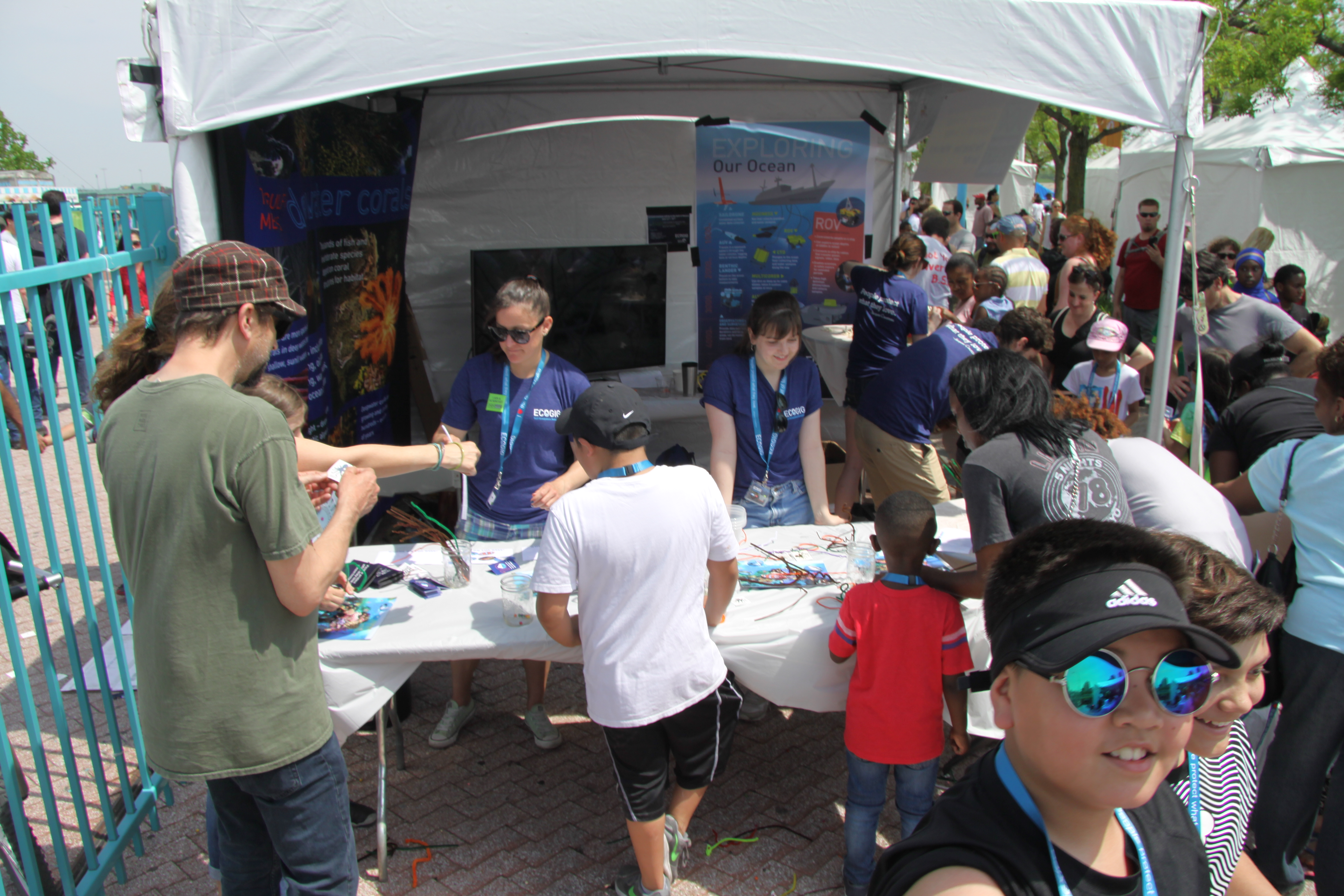 <div style='color:#000000;'><br /><br /><h2>2017 Philadelphia Science Carnival. ECOGIG researchers from Temple University took the Ocean Discovery Zone to the Philadelphia Science Carnival to share the wonders of the ocean and their research on deep sea corals with science interested visitors!</h2>Photos courtesy of Alexis Weinnig.</div>