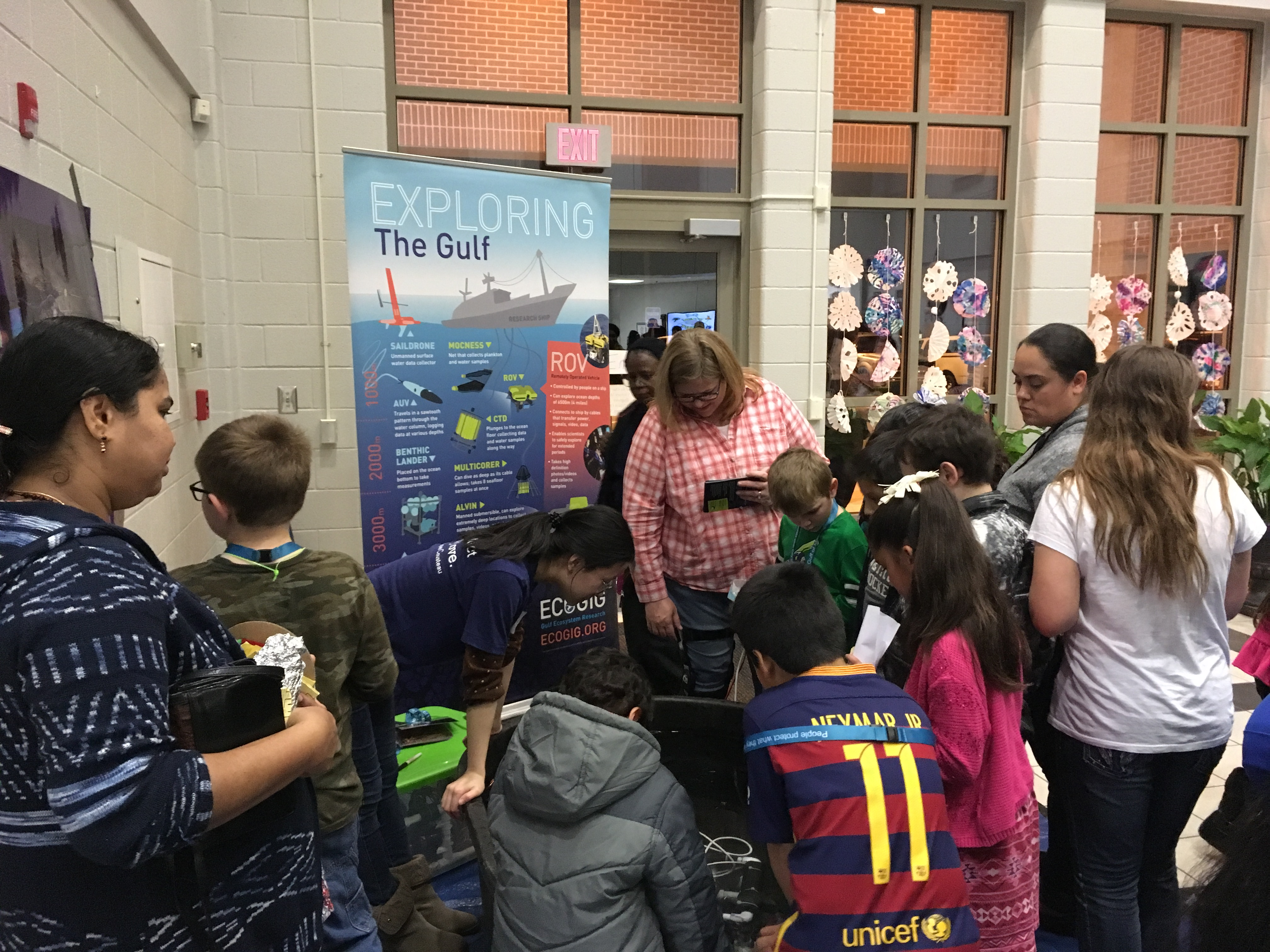 <div style='color:#000000;'><br /><br /><h2>2017 Trip Elementary STEM night. ECOGIG outreach staff and graduate students visited Trip Elementary to share the Ocean Discovery Zone with science interested students and families at their family STEM night. </h2>(c) ECOGIG</div>