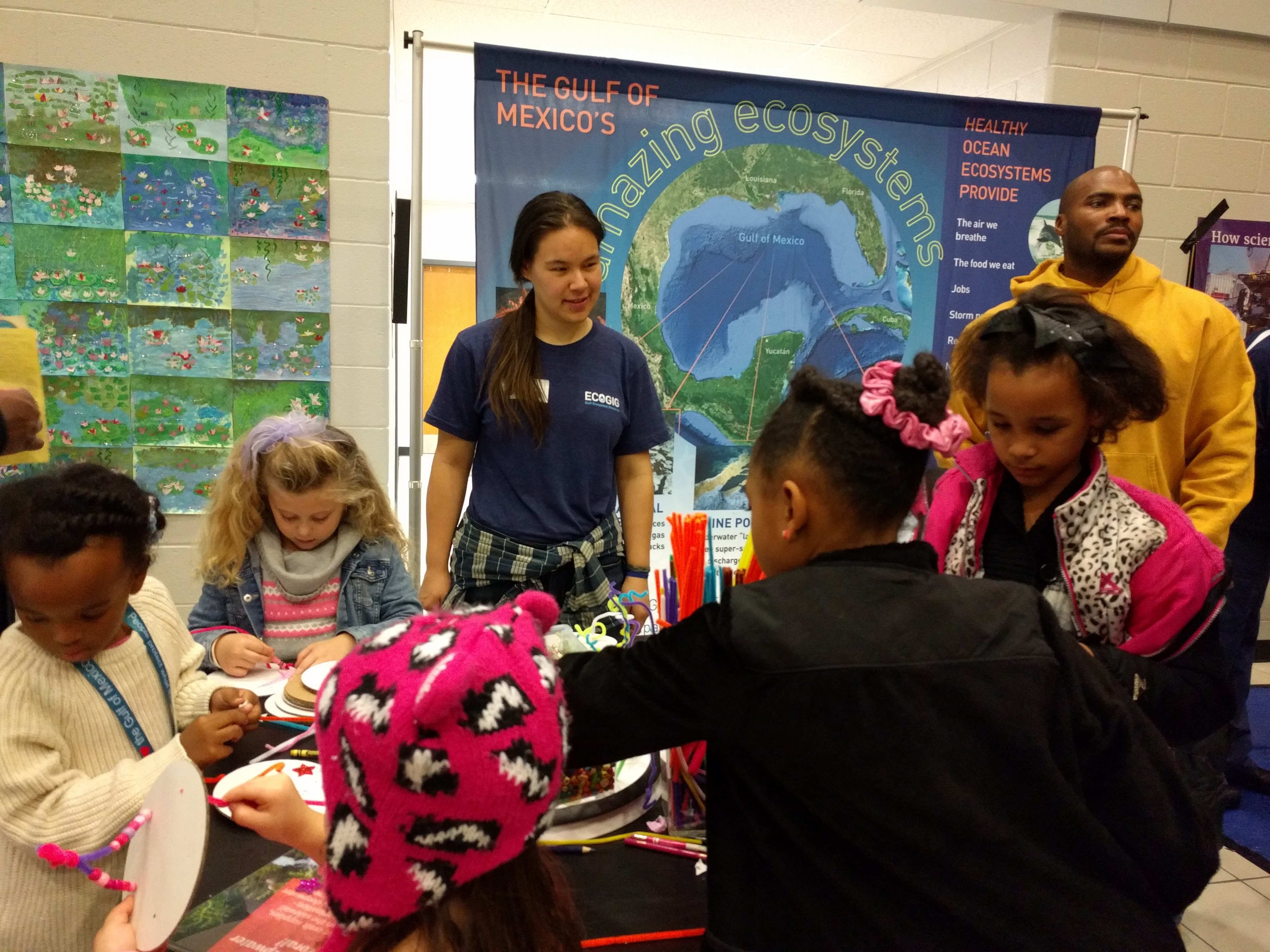 <div style='color:#000000;'><br /><br /><h2>2017 Trip Elementary STEM night. ECOGIG outreach staff and graduate students visited Trip Elementary to share the Ocean Discovery Zone with science interested students and families at their family STEM night.</h2>(c) ECOGIG</div>