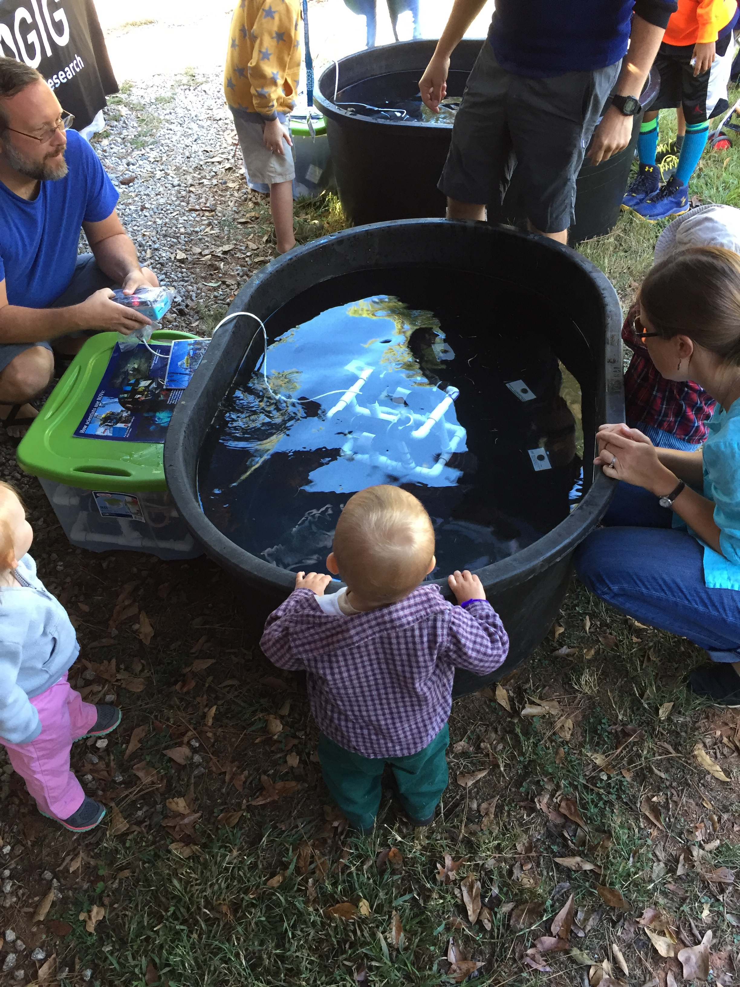 <div style='color:#000000;'><br /><br /><h2>2016 Athens Montessori Fall Festival. ROVs are for kids of all ages!</h2>(c) ECOGIG</div>