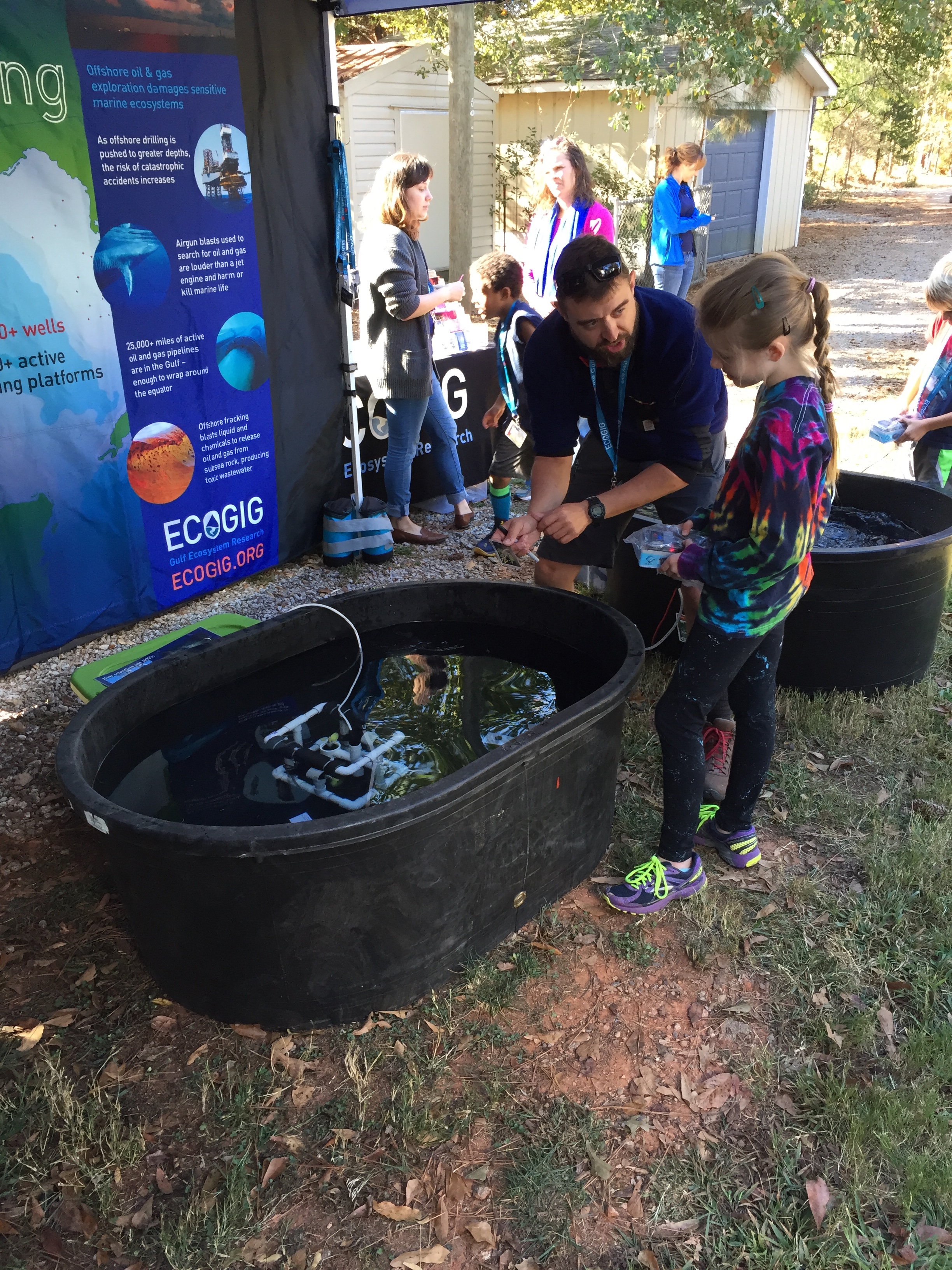 <div style='color:#000000;'><br /><br /><h2>2016 Athens Montessori Fall Festival. ECOGIG PhD student Ryan Sibert showing a budding ROV pilot what she captured in the tank!</h2>(c) ECOGIG</div>