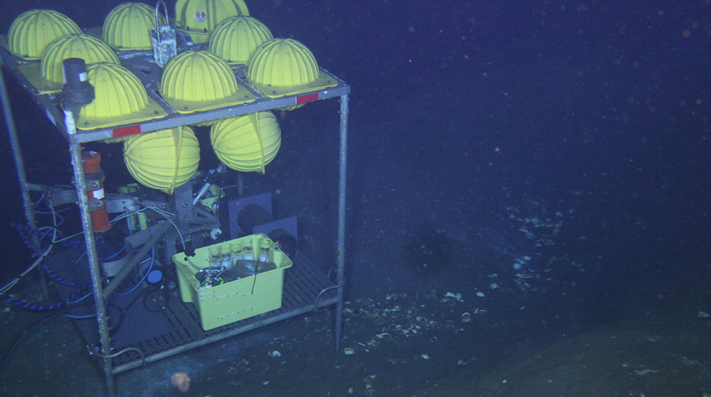 <div style='color:#000000;'><br /><br /><h2>Microbial Methane Observatory for Seafloor Analysis (MIMOSA)- Continuously collects fluid samples from sediment and water for several months, in order to document changes in methane and hydrocarbon concentration, dissolved metals and other ions, and in microbial community composition.</h2>(C)&nbsp;ECOGIG</div>